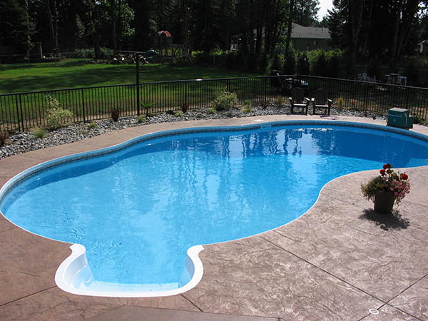 pool with decorative liner